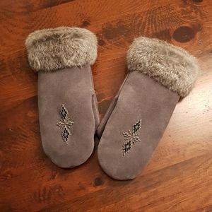 Manitobah mukluks Accessories - Mittens by Manitobah Mukluks